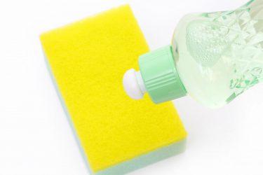 洗車に食器用の中性洗剤を使うのはあり?メリットやデメリットは?